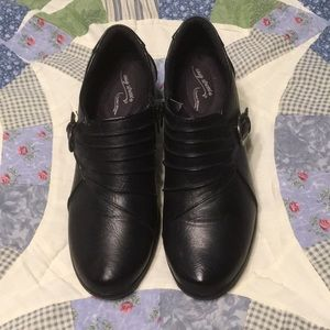 Easy street black shoes